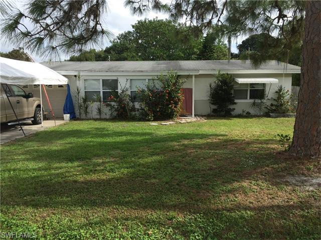 1580 Ixora Dr, North Fort Myers FL 33917