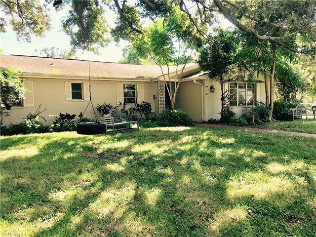 1206 Shadow Ln, Fort Myers, FL 33901