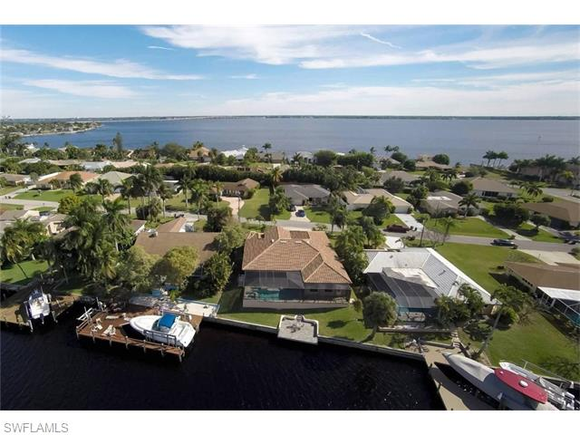 2910 SE 22nd Avenue, Cape Coral, FL 33904