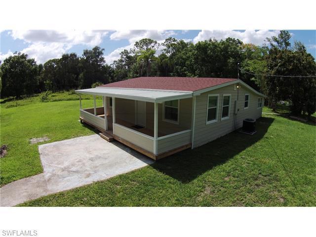 2757 Garden St North Fort Myers, FL 33917