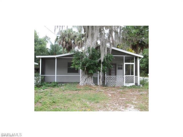 404 Santa Barbara St North Fort Myers, FL 33903