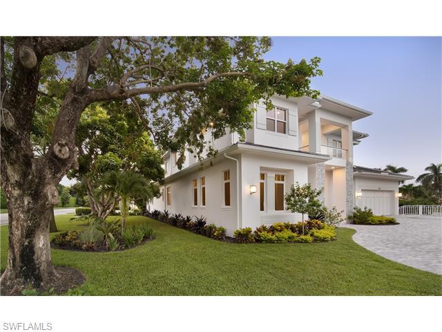 705 Parkview Lane, Naples, FL 34103