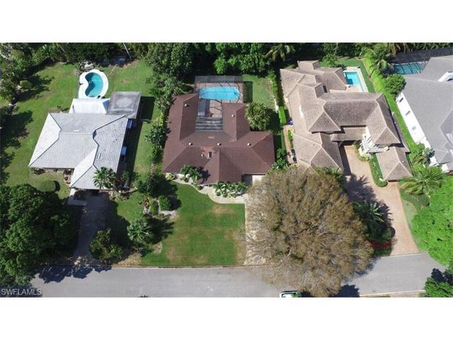 726 Riviera Drive, Naples, FL 34103