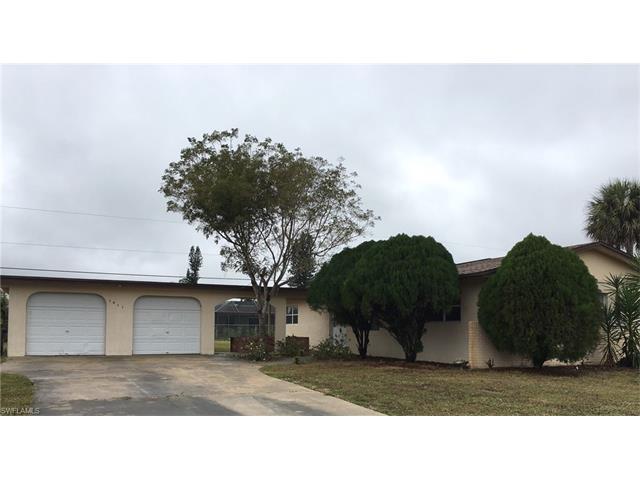 1611 Country Club Pkwy, Lehigh Acres, FL 33936