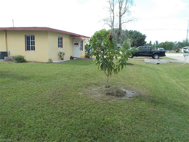 17 California Rd, Lehigh Acres, FL 33936
