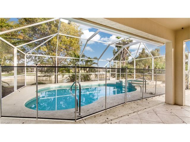 307 NE 13th Place, Cape Coral, FL 33909