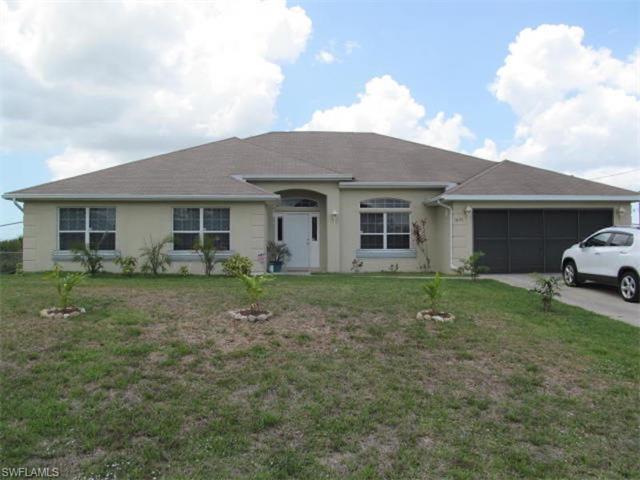 1021 Pine Ave, Lehigh Acres, FL 33972