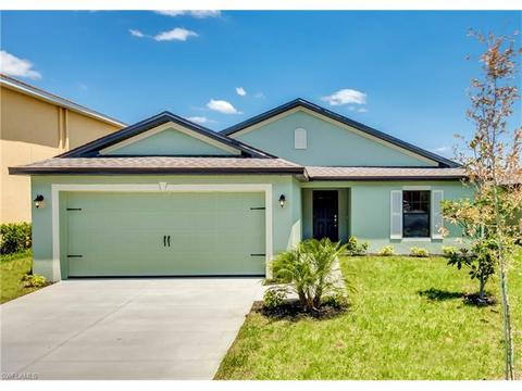 750 Center Lake St, Lehigh Acres, FL 33974