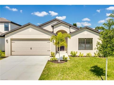 730 Center Lake St, Lehigh Acres, FL 33974