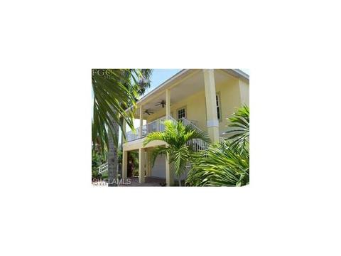 5350 Palmetto St, Fort Myers Beach, FL 33931