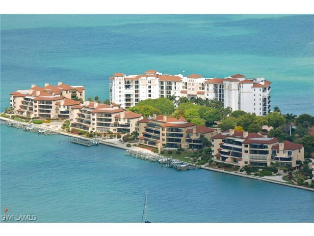 212 La Peninsula Blvd 212 #212, Naples, FL 34113