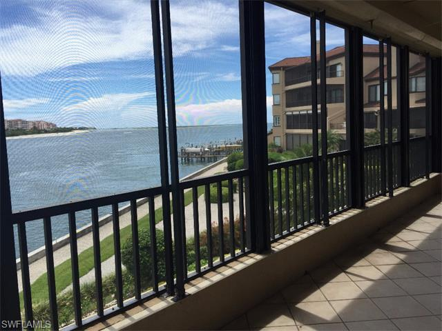 124 La Peninsula Blvd 124 #124, Naples, FL 34113