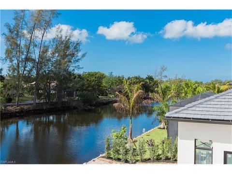 1696 Vinland Way, Naples, FL 34105