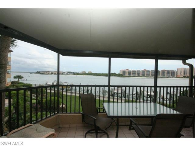 302 La Peninsula Blvd 302 #302, Naples, FL 34113