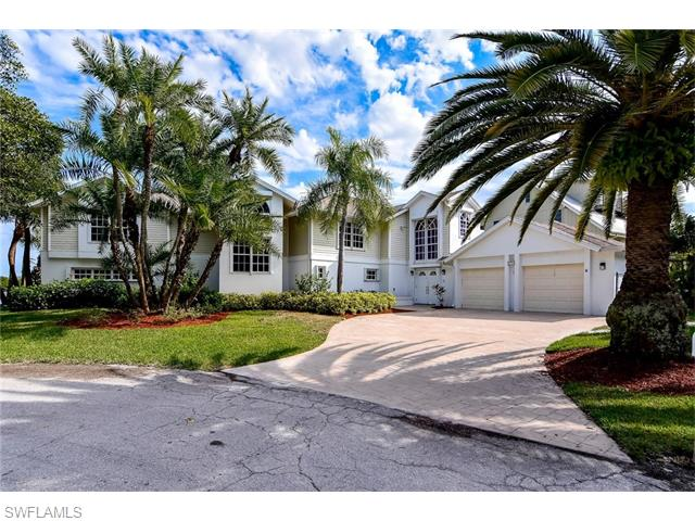 134 Andre Mar Dr, Fort Myers Beach, FL