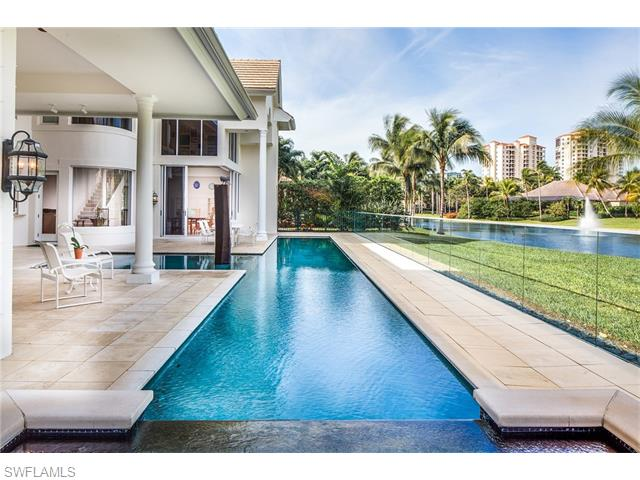 339 Cromwell Court, Naples, FL 34108
