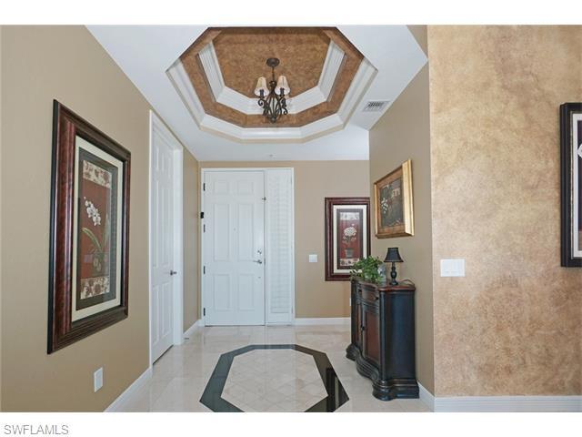 420 Cove Tower Drive 1502 #1502, Naples, FL 34110