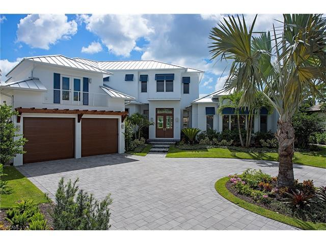 1265 Tuna Ct, Naples, FL 34102