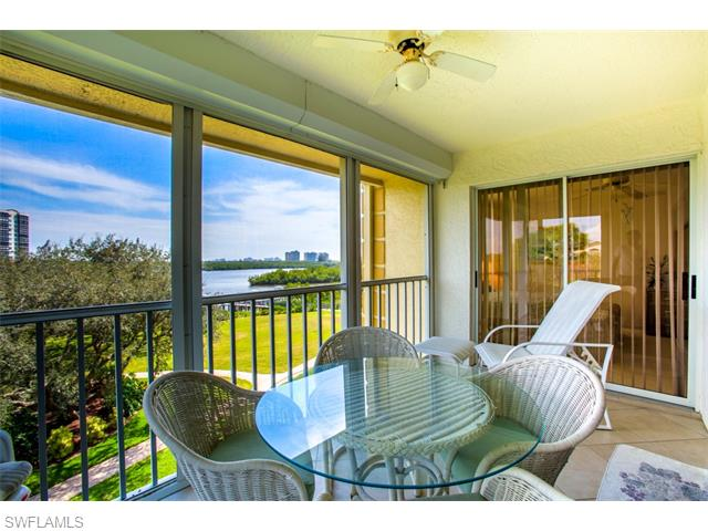 320 Horse Creek Drive 401 #401, Naples, FL 34110