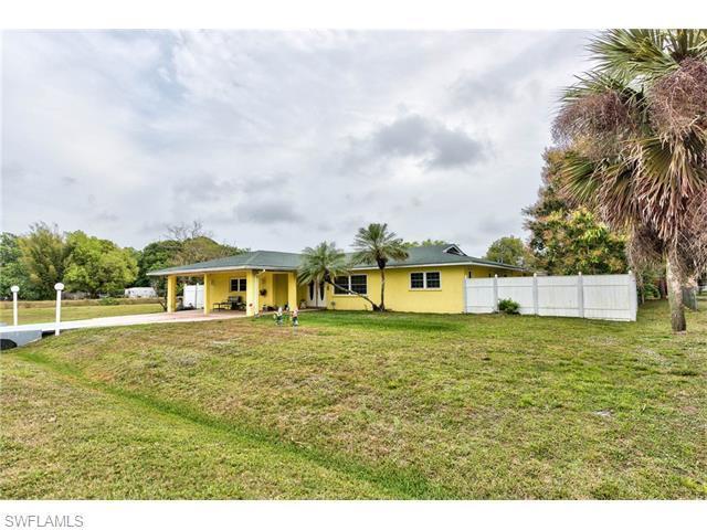 120 Greenwood Ave, Lehigh Acres, FL