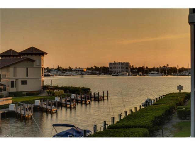1200 Blue Point Avenue A4 #A4, Naples, FL 34102