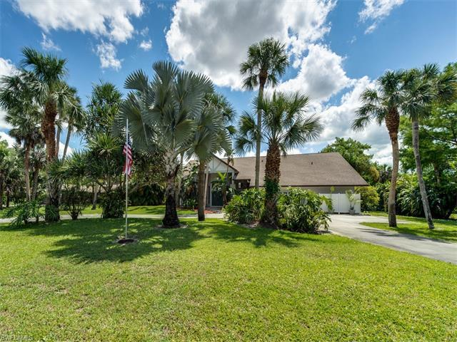 2910 70th St SW, Naples, FL 34105