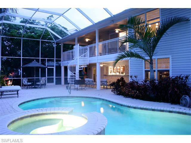 11561 Isle Of Palms Dr, Fort Myers Beach, FL