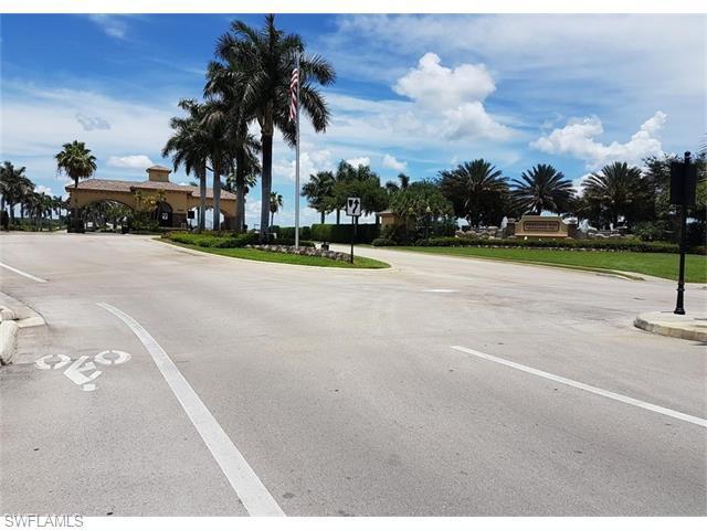 10522 Smokehouse Bay Dr #201, Naples, FL 34120