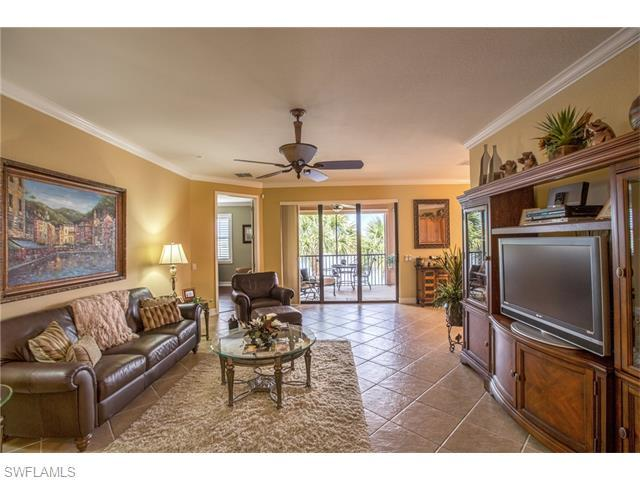 10466 Smokehouse Bay Dr 202 #202, Naples, FL 34120