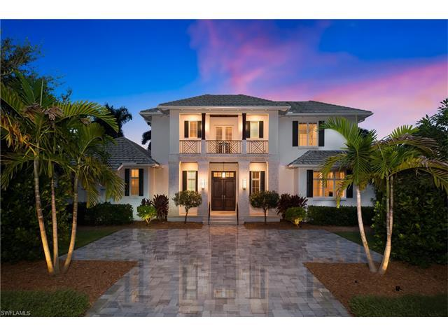 472 Putter Point Dr, Naples, FL 34103