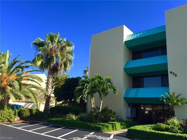 975 Palm View Drive A-305 #A-305, Naples, FL 34110