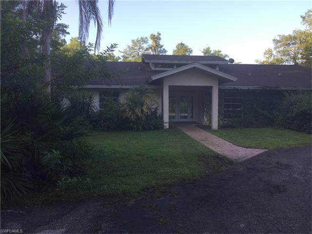 5750 Napa Woods Way, Naples, FL 34116