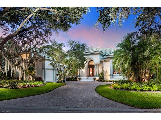 927 Barcarmil Way, Naples, FL 34110