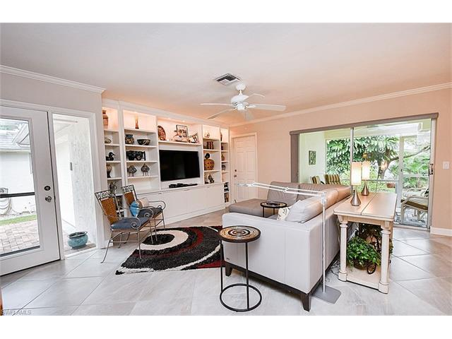 340 Carnaby Court 51 #51, Naples, FL 34112