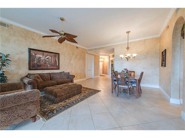 8987 Cherry Oaks Trail 101 #101, Naples, FL 34114