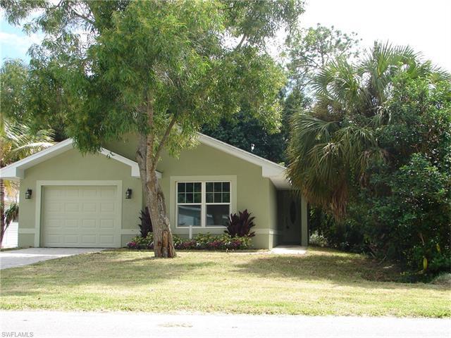 327 Benson St, Naples, FL 34113
