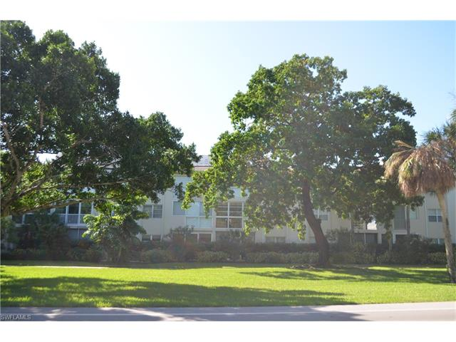434 Broad Avenue S H-434 #H-434, Naples, FL 34102