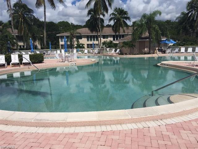 118 Palm Dr #15, Naples, FL 34112