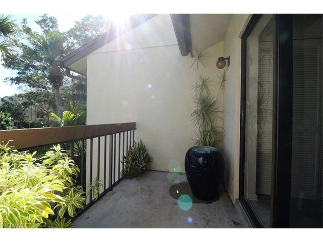 1818 Kings Lake Boulevard 203 #203, Naples, FL 34112