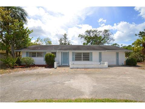 1248 Morningside Dr, Naples, FL 34103