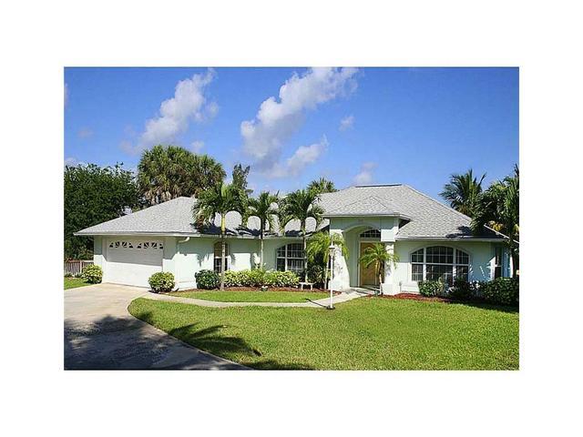 1356 Plato Ct, Vero Beach, FL 32963