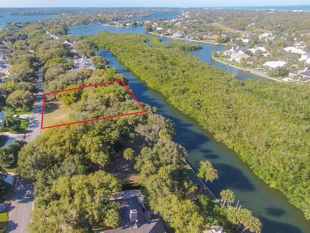220 Coconut Palm Rd, Vero Beach, FL 32963