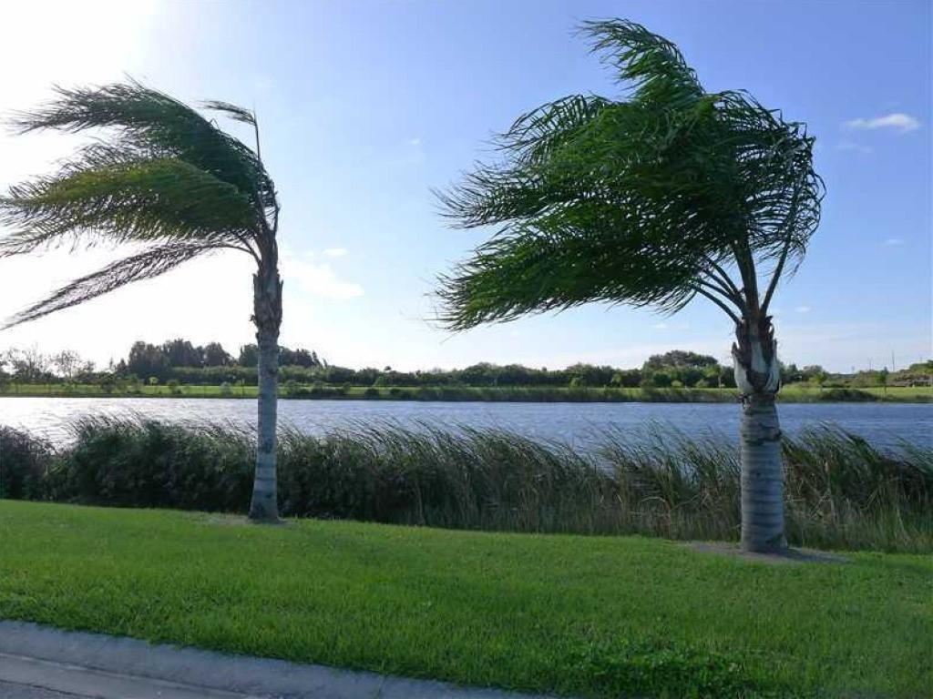 1030 Dalbello Way, Vero Beach, FL 32966