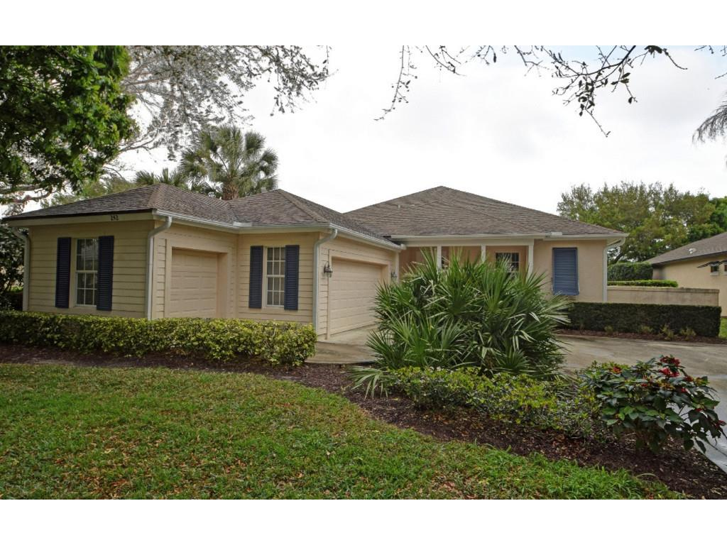 242 Oak Hammock Circle SW, Vero Beach, FL 32962