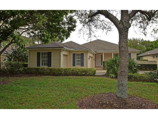 242 Oak Hammock Cir SW, Vero Beach, FL 32962