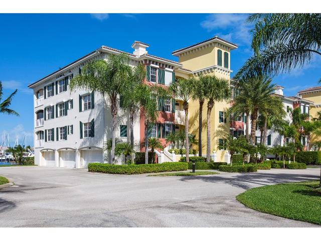 1205 Marina Village Cir #401, Vero Beach, FL 32967