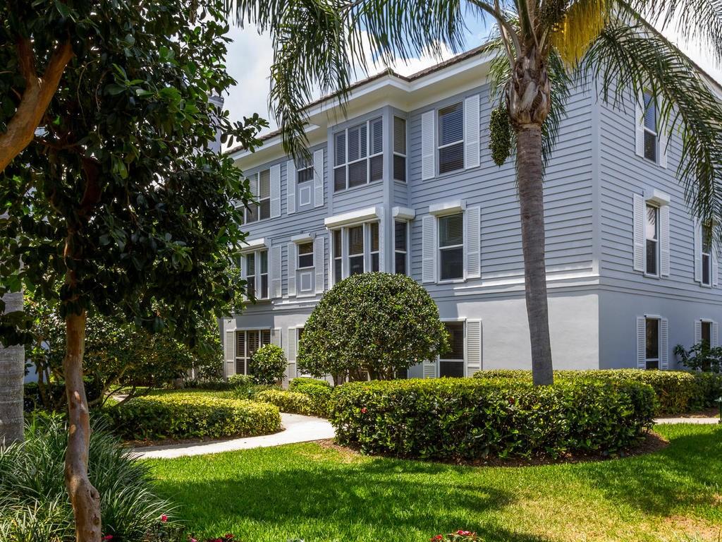1901 Bay Road #101, Vero Beach, FL 32963