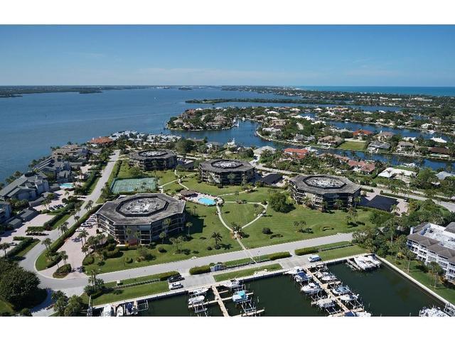 1821 Mooringline Dr #PHF, Vero Beach, FL 32963