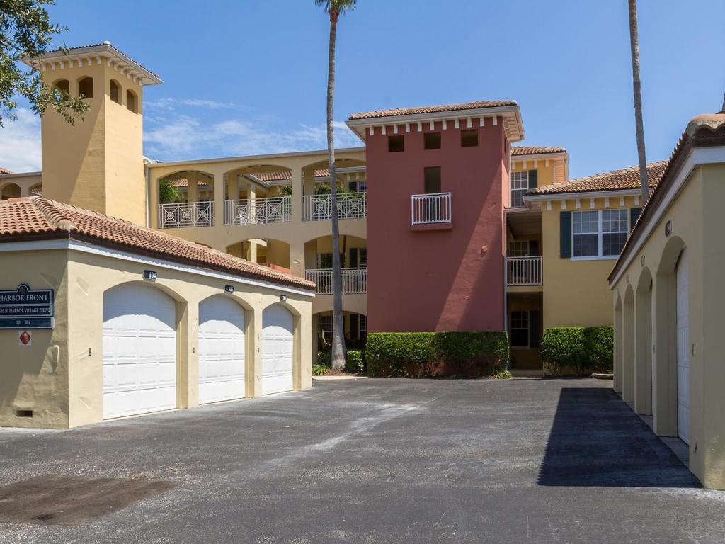 5520 N Harbor Village Drive #104, Vero Beach, FL 32967