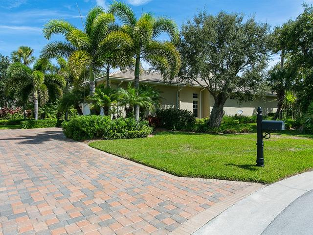 916 Cove Point Pl, Vero Beach, FL 32963